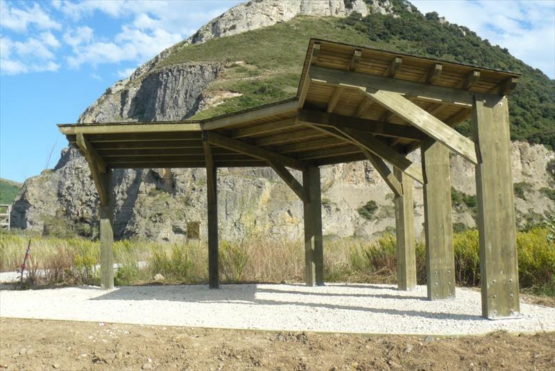 Mirador para el avistamiento de aves construido en Muskiz